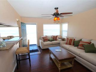 Cozy 2 bedroom Oceanside House with Garage - Oceanside vacation rentals