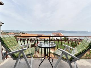 Apartment sea view for 4 blue in attic top - Slatine vacation rentals