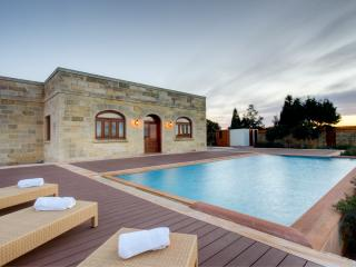 Nice Villa with Internet Access and Dishwasher - Zurrieq vacation rentals