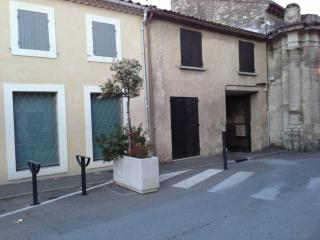 2 bedroom House with Internet Access in Villeneuve-les-Avignon - Villeneuve-les-Avignon vacation rentals
