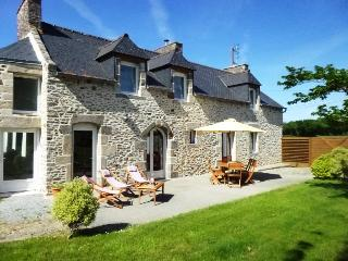 Country house near to beaches - St Malo and Dinan - Créhen vacation rentals