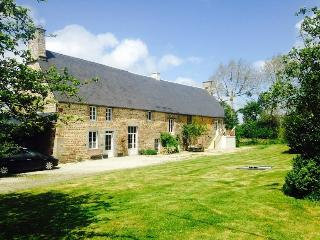 Romantic 1 bedroom Farmhouse Barn in Vire - Vire vacation rentals