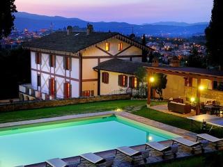 Villa Parco Secolare 18 ° secolo con - Arezzo vacation rentals