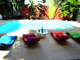 """Guest House """"Sous Le Badamier"""" Chambre Double - Pointe aux Cannoniers vacation rentals"""