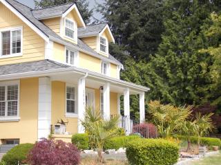 Bellevue Downtown Prime Location - Bellevue vacation rentals