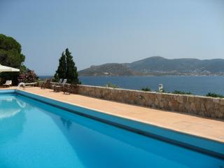 Nice 2 bedroom Porto Rafti Condo with Internet Access - Porto Rafti vacation rentals