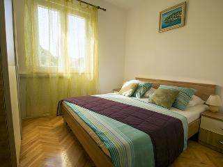Lovely green sea view apartment - Cavtat vacation rentals