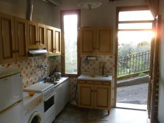 Cozy 1 bedroom Condo in La Spezia with Internet Access - La Spezia vacation rentals