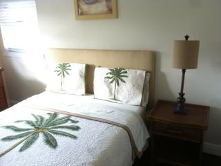 2 Bedroom Unit Steps From Beach - Freeport vacation rentals