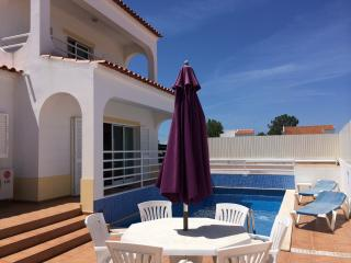 187 m² house with pool next to beaches - Porches vacation rentals