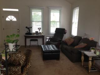 10 Minutes from Disney in Old Towne - Orange vacation rentals