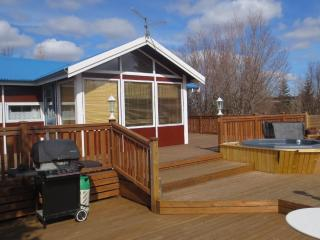 Cozy Arborg House rental with Internet Access - Arborg vacation rentals
