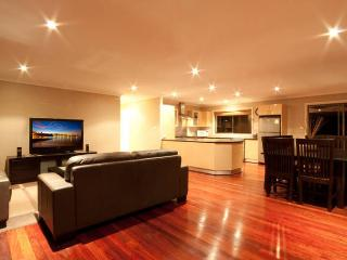 Beautiful 5 bedroom Terrigal House with Deck - Terrigal vacation rentals
