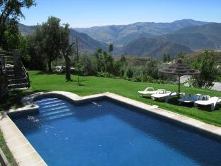 Holiday home with stunning views - Carataunas vacation rentals