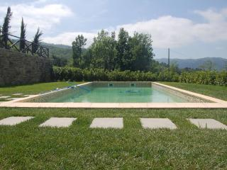 Family Friendly Italian Country farmhouse & Pool - Bergolo vacation rentals