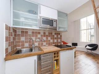 Cozy flat in Little Venice - London vacation rentals