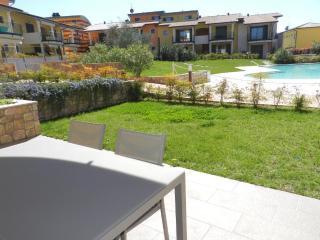 APARTMENT PARADISO LUX LAZISE, LAKE GARDA - Lazise vacation rentals