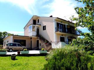 Cozy 2 bedroom Condo in Malinska with Internet Access - Malinska vacation rentals