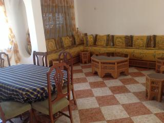 Prachtig en perfect gelegen appartement in Martil - Martil vacation rentals