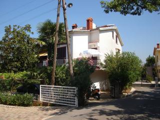 Nice Condo with Internet Access and Balcony - Malinska vacation rentals