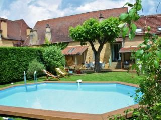 Comfortable House with Washing Machine and Television - Siorac-en-Périgord vacation rentals