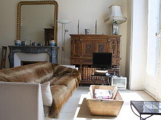 parisbeapartofit - Louvre Oratoire for 5 (209) - Paris vacation rentals