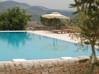 Nice House with Shared Outdoor Pool and Balcony - Chiaramonte Gulfi vacation rentals