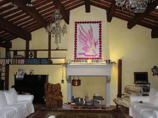Nice Apartment with Internet Access and A/C - Ravenna vacation rentals