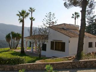 Nice Finca with Internet Access and Outdoor Dining Area - Tabernes de Valldigna vacation rentals