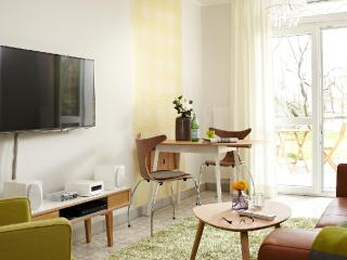 Vacation Apartment in Stade - 431 sqft, fashionable, modern, bright (# 8508) - Stade vacation rentals
