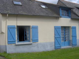Lovely Gite with Television and Satellite Or Cable TV - Messac vacation rentals