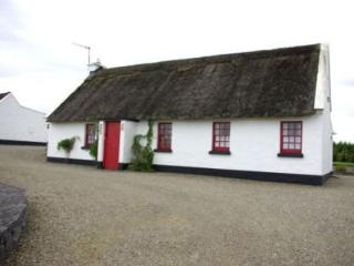 Ballyvaughan Holiday Cottage - 3 Bed (Type B *) : Ballyvaughan, Clare - Tulla vacation rentals