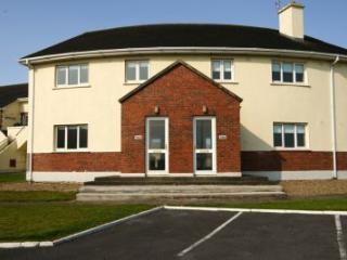 Kilkee Bay Holiday Homes - 3 bedroom : Kilkee, Clare - Kilkee vacation rentals