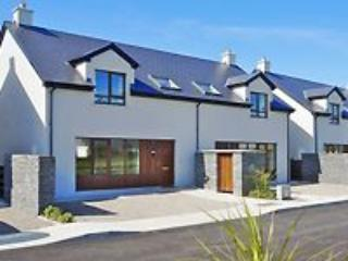 Lahinch Corran Maebh Holiday Village 3 Bed (Type B) : Lahinch, Clare - Lahinch vacation rentals