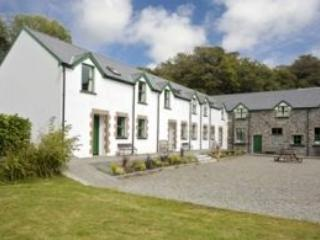 Ardnagashel Holiday Cottage - 2 Bed (Type C) : Ballylickey, Cork - Ballylickey vacation rentals