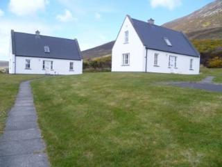 Baile Slievemore Holiday Cottages - 3 Bed (Type B) : Achill Island - Keel, Mayo - Keel vacation rentals