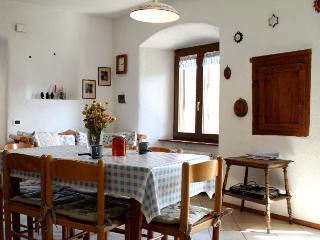 appartamento rustico in antico maso nel verde - Caldonazzo vacation rentals