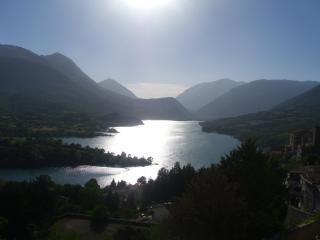 Bilocale sul lago in montagna nel parco d'Abruzzo - Barrea vacation rentals