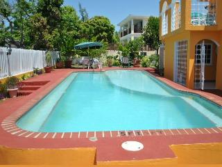 Nice Villa with Internet Access and Housekeeping Included - Silver Sands vacation rentals