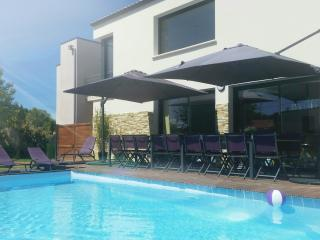 Bright 8 bedroom Villa in Les Sables-d'Olonne - Les Sables-d'Olonne vacation rentals