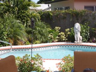 Gorgeous 3 bedroom House in Fort Lauderdale with Deck - Fort Lauderdale vacation rentals