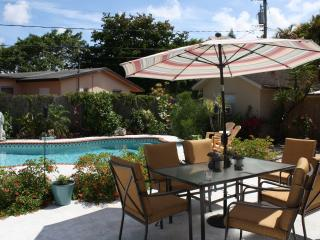 Gorgeous House with Deck and Internet Access - Fort Lauderdale vacation rentals