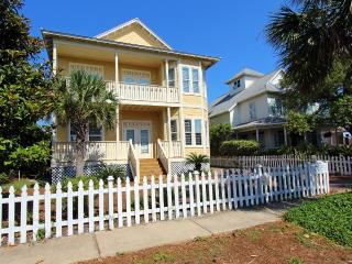 Lazy Pineapple-6BR-PRIVPool-RealJOY Fun Pass-Wlk2Bch-AVAIL6/4-6/11 $4999 - Destin vacation rentals