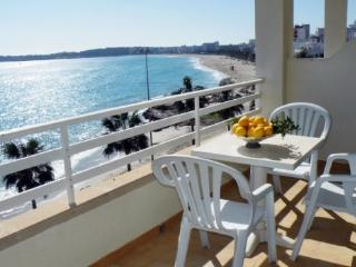 Nice Apartment with balcony overlooking the sea - Cala Millor vacation rentals