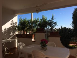2 bedroom Apartment with A/C in Acitrezza - Acitrezza vacation rentals