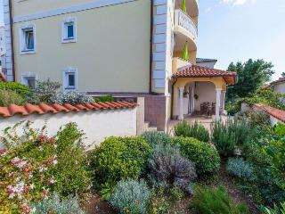Nice 2 bedroom House in Crikvenica - Crikvenica vacation rentals