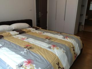 Luxury 1 BR at Sukhumvit 15 Nana/Asoke - Bangkok vacation rentals
