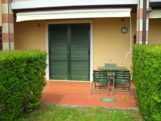 La corte di Garda am Gardasee für 2/3 Pers - Marciaga di Costermano vacation rentals