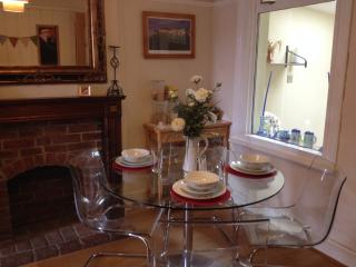 2 bedroom Cottage with Internet Access in Didcot - Didcot vacation rentals