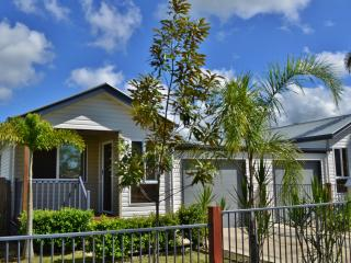 Mackay Holiday House - The Platypus - Mackay vacation rentals
